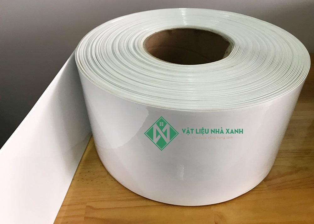 Màn nhựa PVC màu trắng chống xuyên sáng . Phù hợp cho không gian riêng như